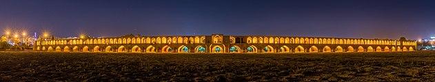 Si-o-se Pol, Isfahan, Irán, 2016-09-19, DD 07-15 HDR PAN.jpg
