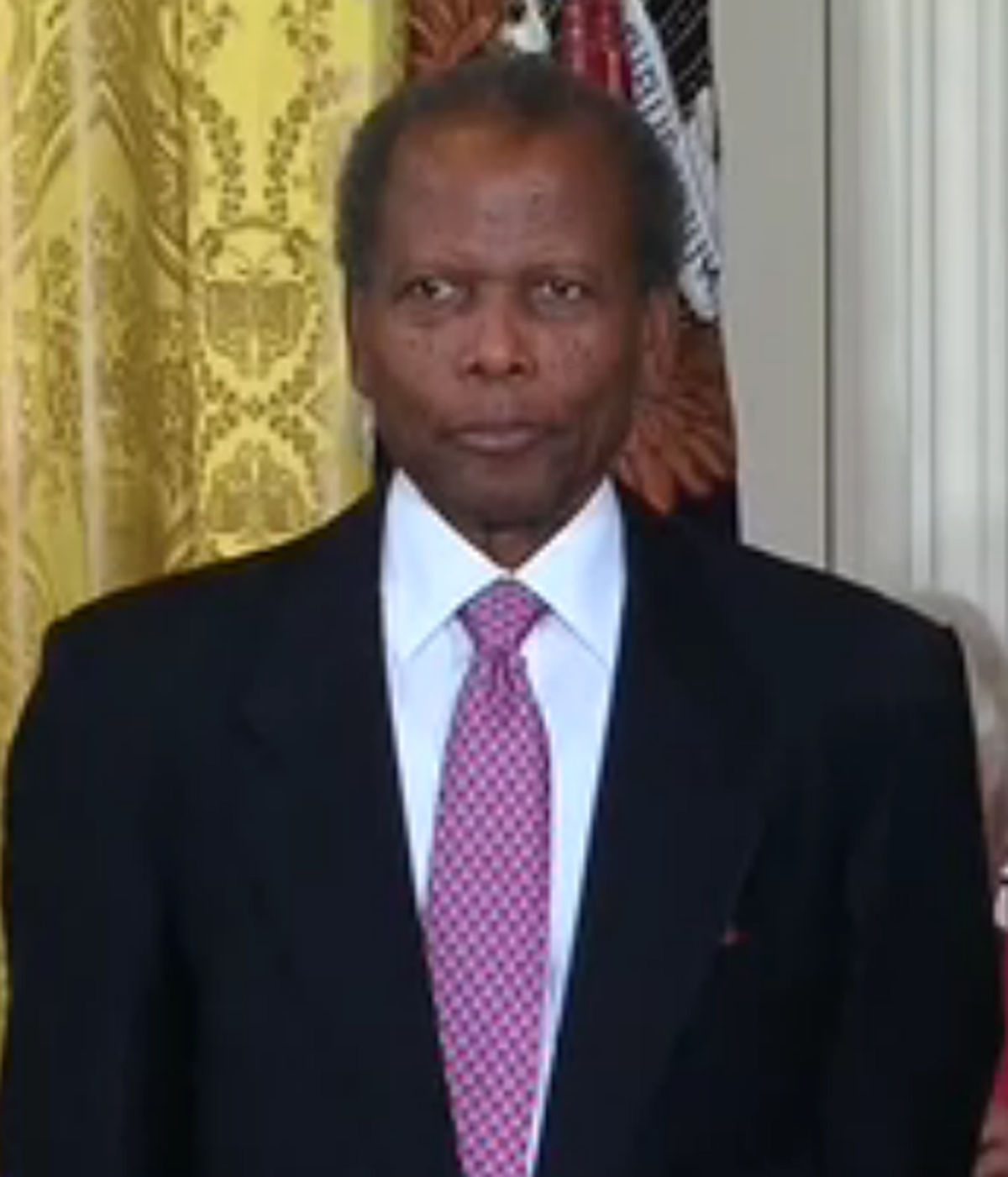 sidney poitier Sir sidney poitier, kbe (born 20 februar 1927) is an american-born bahamian actor, movie director, author, and diplomatpoitier wis the first black actor to win an academy awaird for best actor.
