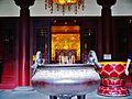 Singapore Buddha Tooth Relic Temple Vorhof.jpg