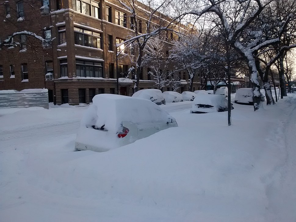 Snow on cars in Chicago in February 2015
