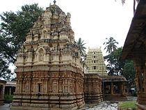 Someshvara temple in Kolar (rear view).JPG