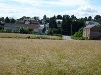Son (Ardennes) vue du village.JPG