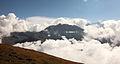 Sorebois Val d'Anniviers (2438 m). Zicht op bergen en wolken boven Zinal 03.JPG