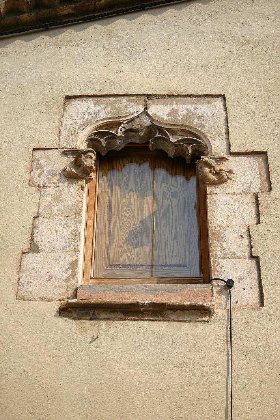 Spain.Hospitalet.Centre.Xipreret.finestrals.gotics.1.jpeg