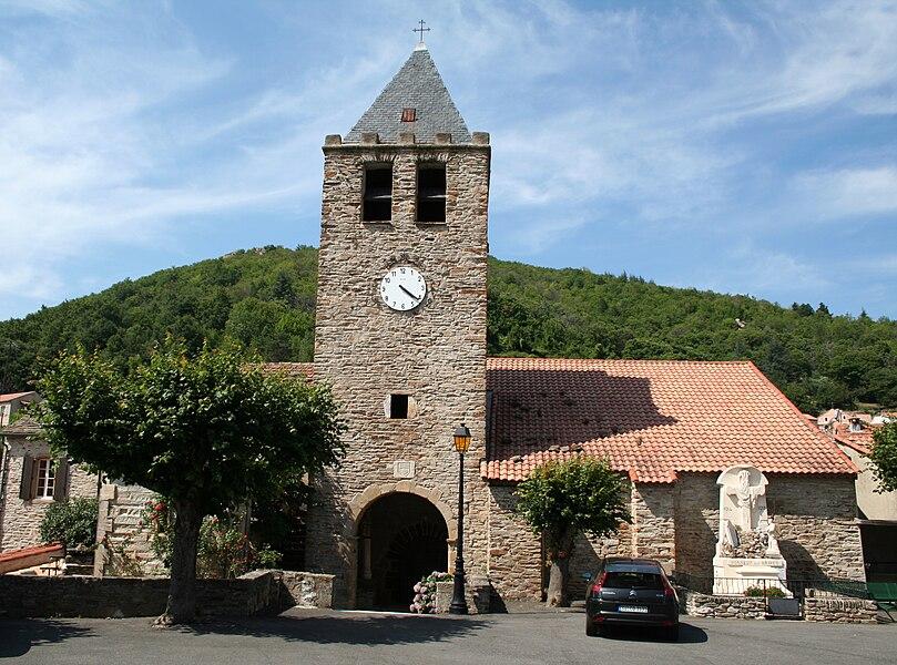 Saint-Vincent-d'Olargues (Hérault) - église Saint-Vincent et monument aux morts.