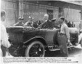 Stabilimento Fiat Lingotto, Vittorio Emanuele III si congratula con i corridori Fiat, Torino 1923 - san dl SAN IMG-00001320.jpg