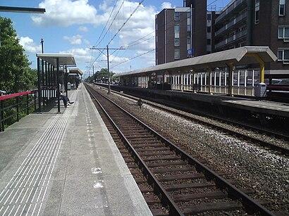 So kommt man zu Station Hoorn Kersenboogerd mit den Öffentlichen - Mehr zum Ort Hier