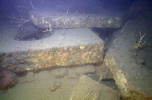 Lamartine (shipwreck) - Granite from the ship's cargo lies on the seafloor