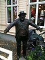 Sten-Åke Cederhök statue.JPG