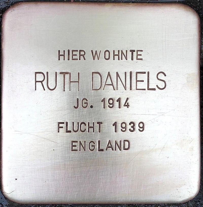 Stolperstein für Ruth Daniels (Alte Krefelder Straße 39)