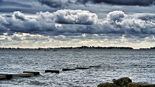 Stormy skies over Baiter, Poole harbour. (9757804352)