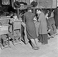 Studerende leerlingen van een Jeshiwa (een Talmoed hogeschool) in hun klaslokaal, Bestanddeelnr 255-0394.jpg