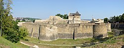 Suceava fortress (by Pudelek).jpg