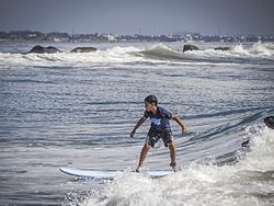 Surfing Classes 2 (15489039166).jpg