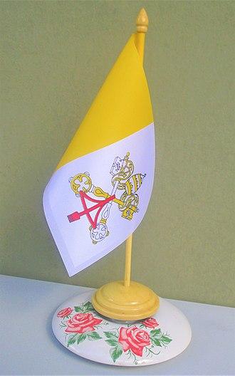 Flag of Vatican City - Table flag.