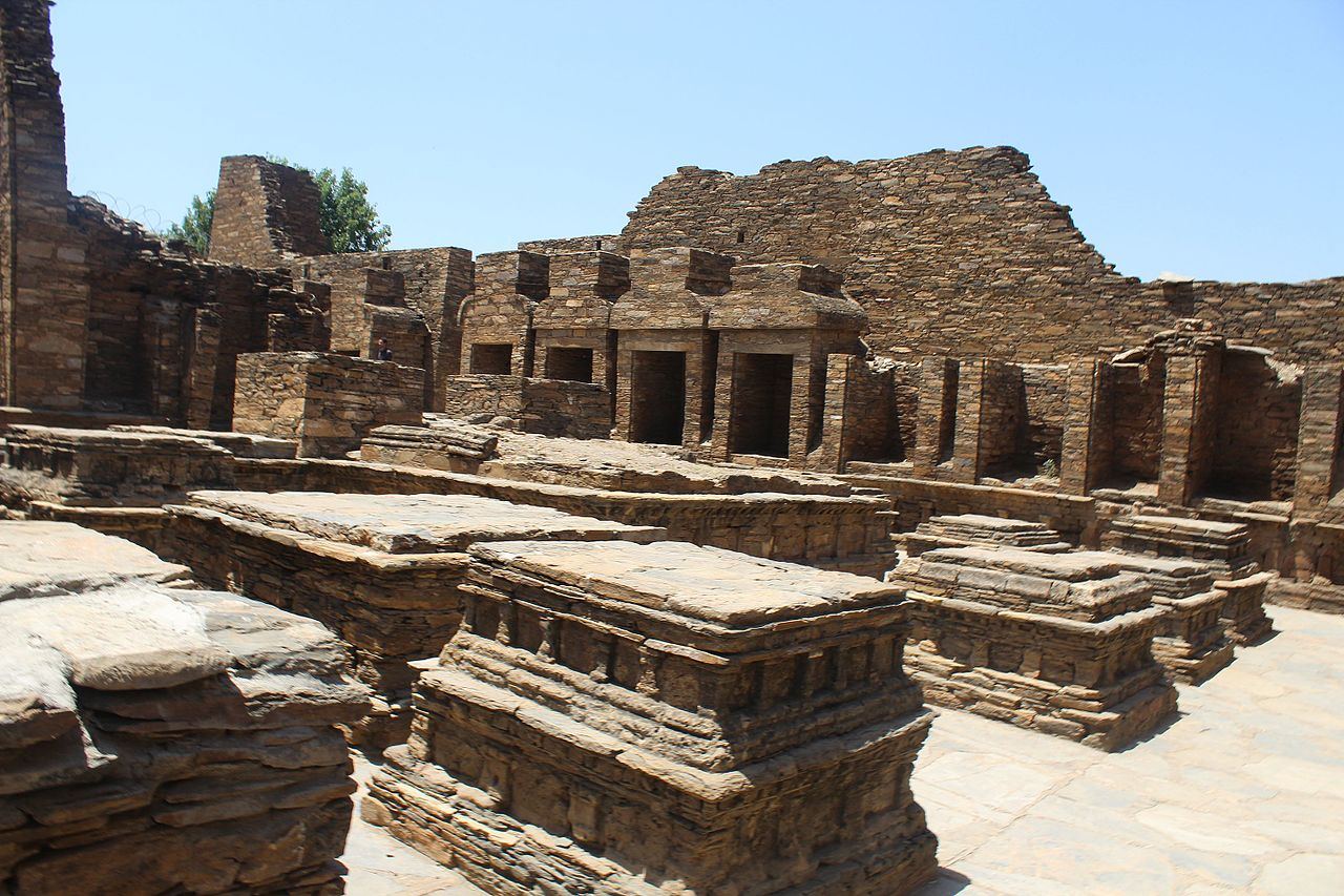 File Takht Bhai Ruins Mardan Kpk Jpg Wikimedia Commons