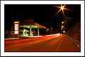 Tankstelle bei Nacht.jpg