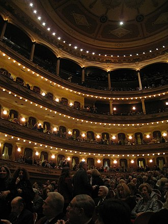 Avenida Theatre - Main auditorium