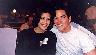 Lois & Clark: The New Adventures of Superman - Teri Hatcher and Dean Cain