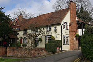 Chef & Brewer - Image: The Bear Inn, Berkswell geograph.org.uk 738242