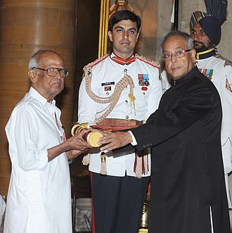 Bapu (film director) - The President, Shri Pranab Mukherjee presenting the Padma Shree Award to Shri S. Lakshminarayana (Bapu), at an Investiture Ceremony, at Rashtrapati Bhavan, in New Delhi on April 05, 2013