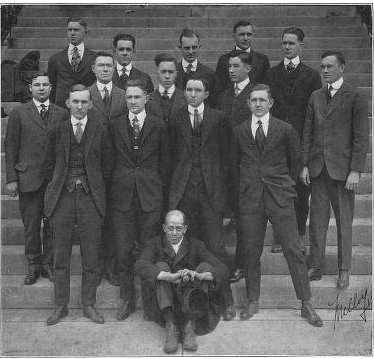 The Volunteer 1917 Junior Dental Class