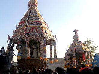 330px-Thirumurugan_Poondi_car_festival.J