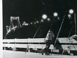 Throgs Neck Bridge - Image: Throgs Neck Bridge at Night