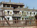 Tibeti stílusban épített templom (Temple built in Tibetian style) - panoramio.jpg