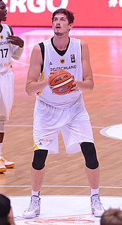 Tibor Pleiß German professional basketball player