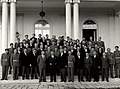 Tito sa narodnim herojima iz Srbije i Makedonije.jpg
