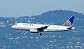 UAL Airbus A320-232 N422UA (6780104983).jpg