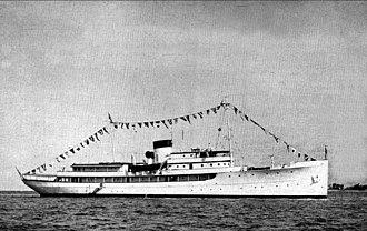 USS Williamsburg - Image: USS Williamsburg (AGC 369) in 1950