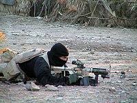 Un SEAL en una operación antitalibán en 2002 durante la Guerra de Afganistán.