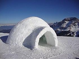 Un igloo ma non siamo in alaska ma nei pressi della Pala di Santa - panoramio.jpg