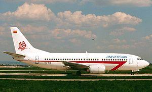 Universair - Boeing 737-3T0.jpg