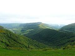Vallées Petite Rhue et Impradine depuis Pas de Peyrol.jpg