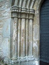 Fil:Varnhems klosterkyrka V portal detalj 4717.jpg