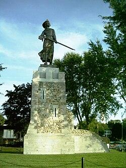 Statue honouring heroine Madeleine de Verchères.