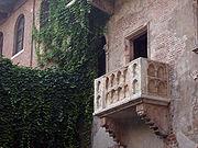Il famoso balcone della Casa di Giulietta