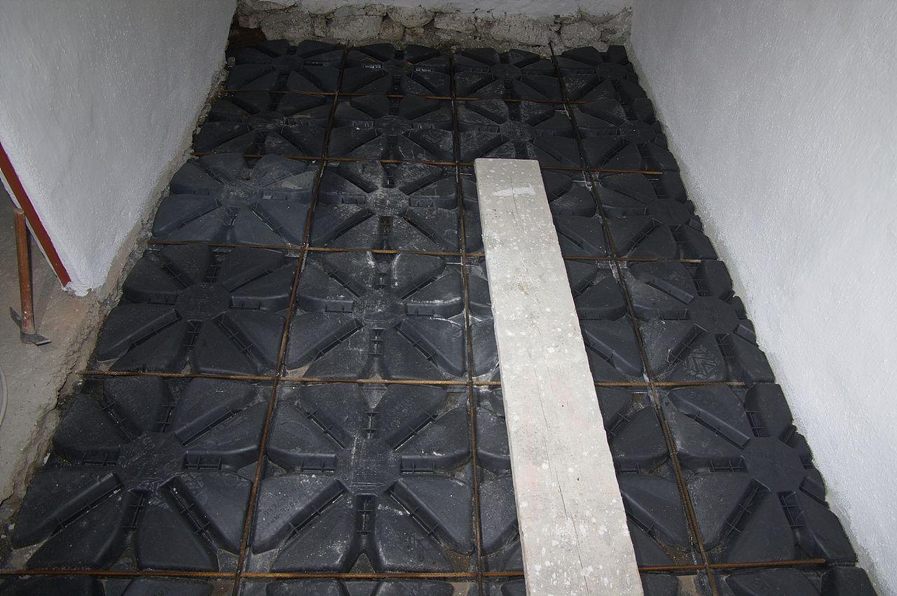 File vespaio aerato con elementi for Vespaio aerato