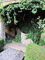 Villa schifanoia, giardino, prima terrazza, grotticina.JPG