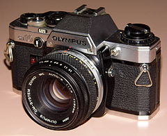 Vintage Olympus OM-10 35mm SLR Film Camera, Made In Japan, Introduced In 1979, With Electronic Control, Automatic Exposure And Focal Plane Shutter (13542847473).jpg