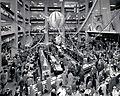 Vuoden 1958 näyttävä maakampanja Ici Paris..jpg
