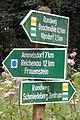 Wanderwegweiser südlich der Ahnewand Schmiedeberg-Buschmühle.jpg