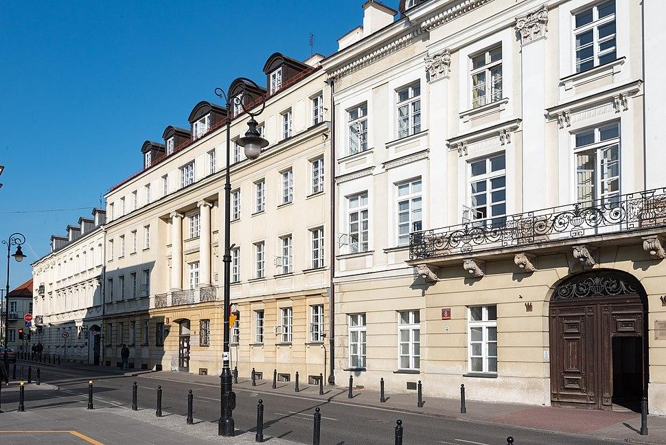 Warszawa, ul. Senatorska 10 20170516 001