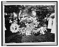 Wilbur Wright funeral - floral decorations at the grave LCCN2003675332.jpg