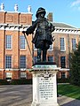 William III Statue, Kensington Palace - geograph.org.uk - 287406.jpg