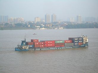 Feeder ship - A container ship on the Yangtze in Wuhan