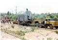 Xe siêu trường siêu trọng chở biến thế 90 tấn về Trạm biến thế Cai Lậy, tỉnh Tiền Giang vào thập niên 90.png
